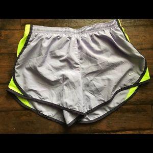 Nike Gray Nike shorts norts size Large